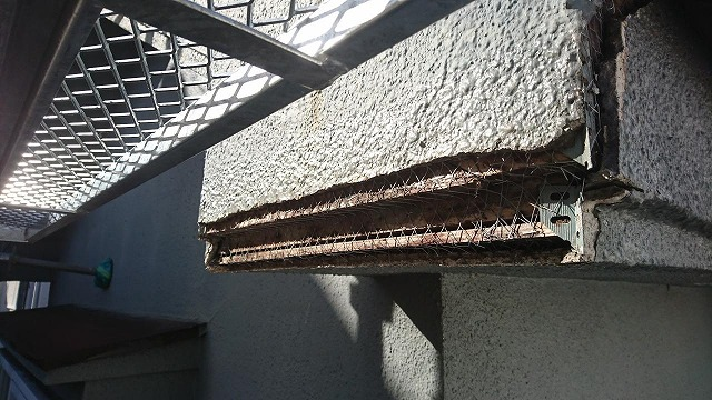 破風破損部分施工前