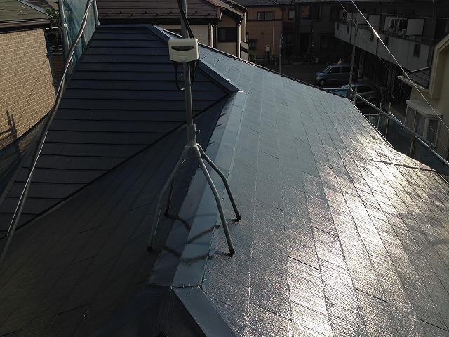 艶もばっちり出て水弾きも抜群の屋根に仕上がりました。