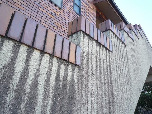 タイル目地の汚れがそのまま流れ、防水切れのため美観損