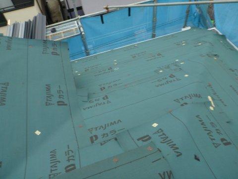 高圧洗浄後に防水シート敷き