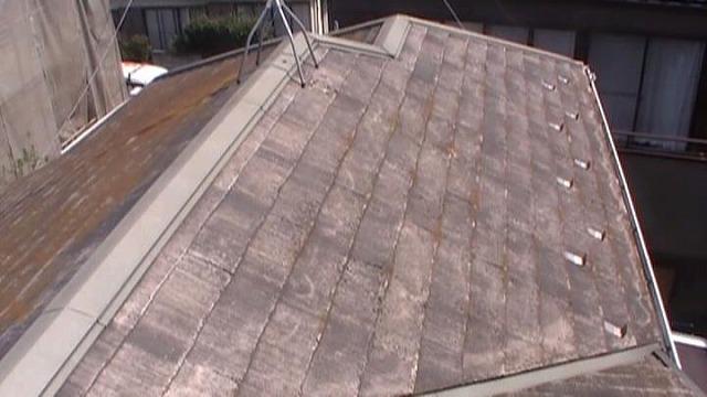 かなり劣化してしまっていた屋根が…
