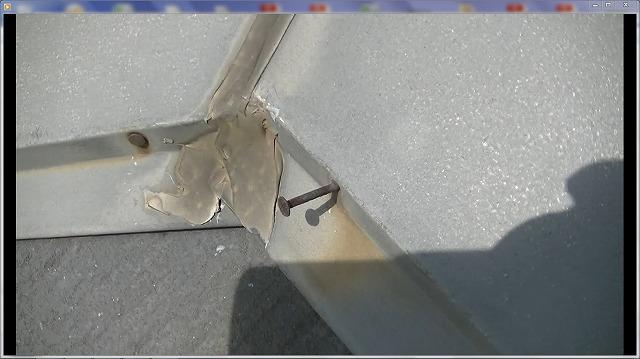 棟板金固定釘浮き、水侵入が心配