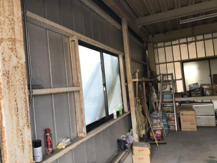 車庫内部も錆び